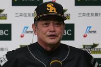 優勝後のインタビューで「僕は本当に幸せです」と喜びを口した工藤監督。写真:塚本凜平(THE DIGEST写真部)