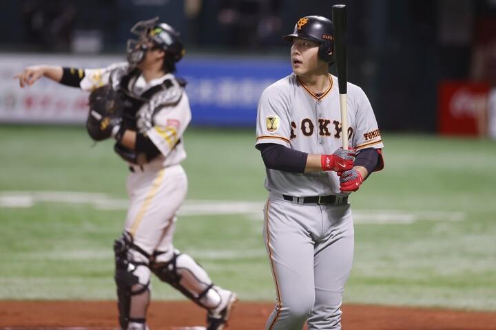 岡本はシリーズ通算13打数1安打。長打も打点も1つも記録できずに終わってしまった。写真:田口有史