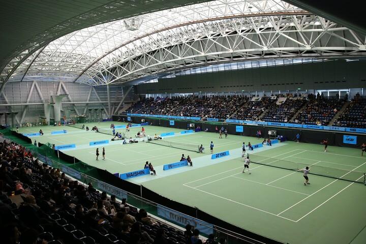第34回テニス日本リーグの決勝トーナメントは、横浜国際プールで開催された。写真:滝川敏之