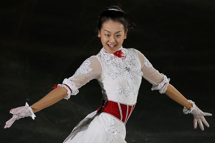 """浅田さんが""""カラフルなロングスカート姿""""を披露し、話題を呼んでいる。(C)Getty Images"""