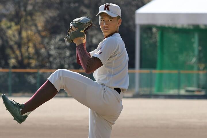森木は「理想は真っ直ぐで3球三振を取れる投手になること」と自身の将来像を語った。写真:大友良行