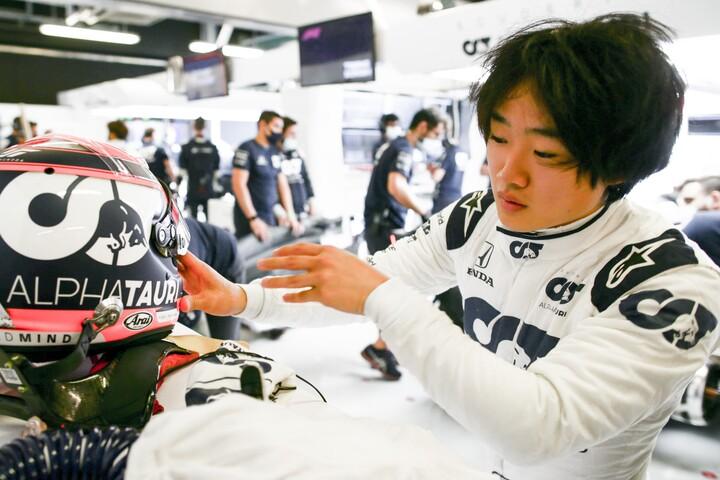 英国の専門メディアは、角田を「ルーキーの中では最も速い」と評した。(C)Getty Images
