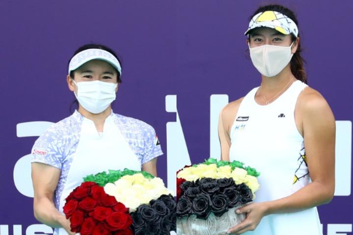 今シーズンを優勝という最高の結果でスタートした青山修子(左)と柴原瑛菜(右)。(C)Getty Images