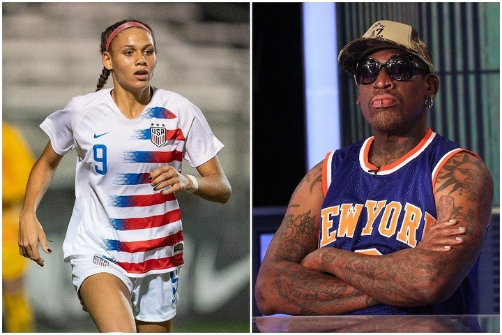 父デニス(右)が溺愛する愛娘トリニティー(左)。やはりその身体能力は半端ない!? (C)Getty Images