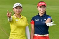 LPGAツアーに参戦する姉セキ・ユウティン(右)と並ぶ、セキ・ユリ(左)。(C)Getty Images