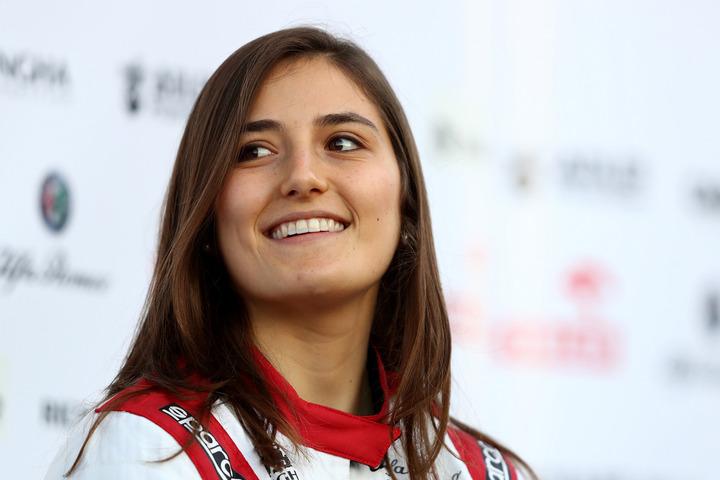 レーシングドライバー、カルデロンがテニス姿をインスタに公開。その腕前に驚嘆の声が上がっている。(C)Getty Images