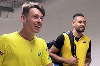 テニス界では「悪童」扱いされているキリオス(右)だが、後輩デミノー(左)にとっては仲の良い兄弟のような存在だという。(C)Getty Images