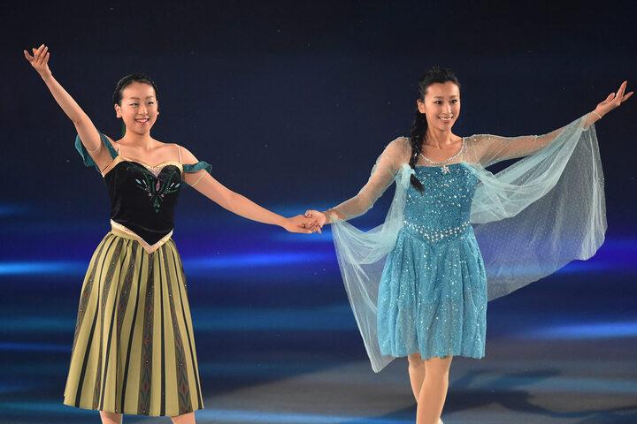 """浅田舞が公開した妹・真央との""""和服2ショット""""に、ファンの注目が集まっている。(C)Getty Images"""