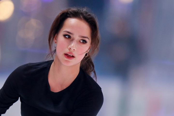 """インスタ投稿をするたびに""""女っぷり""""を上げている印象のザギトワ。現役続行の展望やいかに!? (C)Getty Images"""