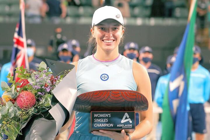 全豪後に開催されたアデレード国際で早くも今季1勝目を挙げたシフィオンテク。その力強いテニスはナダルの影響を受けているという。(C)GettyImages