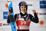 世界選手権ラージヒルで銀メダルを獲得した高梨。(C)Getty Images