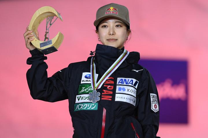 高梨は世界選手権で銅と銀、ふたつのメダルを獲得した。(C)Getty Images