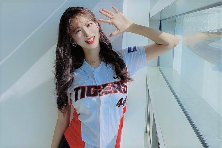 開幕目前の韓国プロ野球。キム・ハンナさんはKIAタイガースと契約を結んでいる(写真は公式インスタグラムより)。