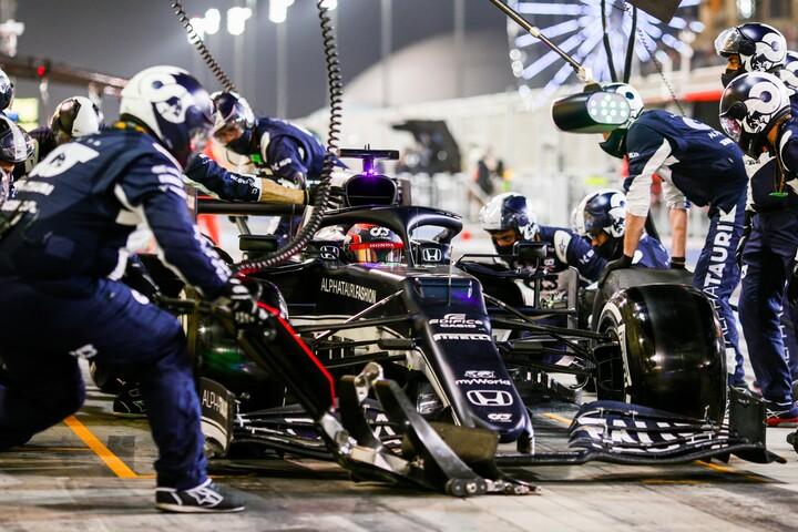 デビュー戦で角田は見事な走りを見せ、9位で2ポイントを獲得した。(C)Getty Images