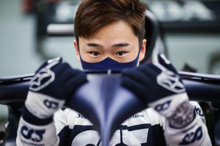 かつてF1で活躍した小林は、角田(写真)に「良いマネジャーを持つことが重要」と進言した。<br /> (C)Getty Images