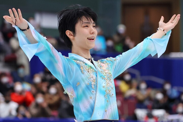 22日開幕のアイスショー出演が発表された羽生。写真:長田洋平/アフロスポーツ