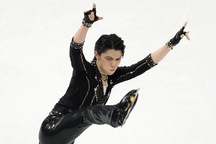世界選手権で3位に甘んじた羽生。SPではロックスターになり切った。(C)Getty Images