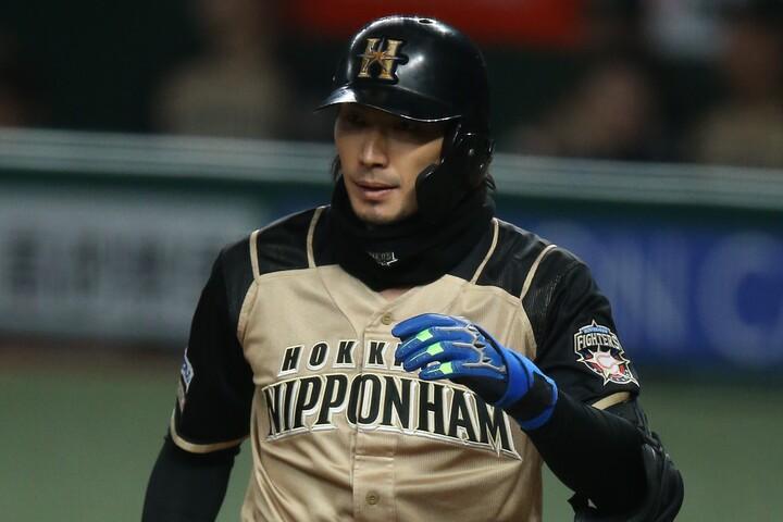 """12球団最後の「チーム1号」を放ったのは日本ハム・大田。実に開幕10試合目の""""初本塁打""""だった。写真:滝川敏之"""