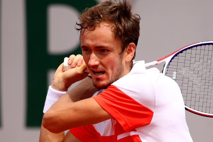 実は2017年から4年連続で全仏オープンで1回戦負けを期しているメドベージェフ。(C)Getty Images