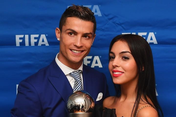 17年1月の『ザ・ベスト・FIFAフットボールアウォーズ』で正式にパートナーとしてお披露目されたジョージナ・ロドリゲス。(C) Getty Images