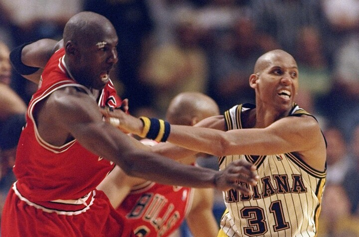 現役時代、ブルズのジョーダンとライバル関係を築いたミラー。優勝は叶わなかったが、ペイサーズ一筋を貫いた。(C)Getty Images