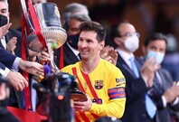 キャプテンとして初のタイトルを手にしたメッシ。国王杯決勝では2ゴールを挙げた。(C)Getty Images