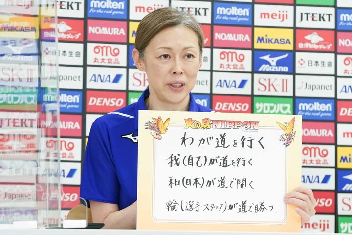 セッターに厳しい中田監督だが、現状では田代、関、籾井の3人に及第点を与えているようだ。(C)JVA 2021/04/19撮影