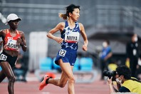 女子5000メートルで出場した新谷は、後半失速し5位とした。写真:本永創太