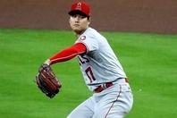 メジャー屈指の実力派アルトゥーベさえ腰を引いた! 大谷の投球に対する反響がやまない。(C)Getty Images