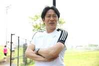 学生と市民ランナーが共に練習するクラブを設立した原監督。写真:滝川敏之