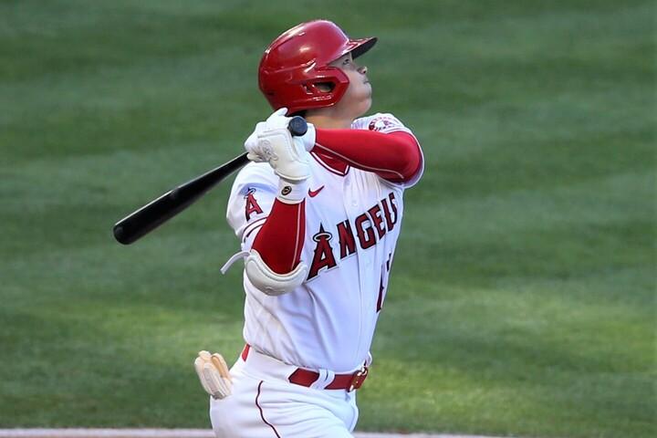 特大2ランを含む、今季16度目のマルチ安打を記録した大谷。(C)Getty Images