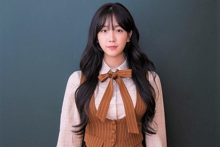 SNS上での七変化ぶりが好評を博すアン・ジヒョンさん。韓国チア界の若きエースだ(写真は公式インスタグラムより)。