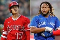 今季傑出した活躍を見せる大谷(左)とゲレーロJr.(右)。はたしてア・リーグのMVPはどちらの手に?(C)Getty Images