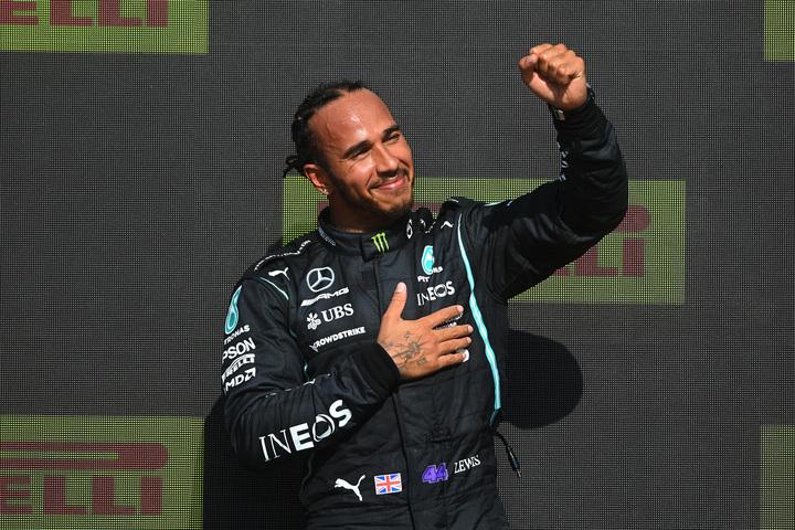 母国GPを制したハミルトン。しかし、1週目に起きたフェルスタッペンとの接触が物議を醸している。(C)Getty Images