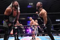 シングル対決を前にEVIL&東郷を制裁した石井。バックステージでは「お前は俺に勝てねえ」とコメントした。(C)新日本プロレス