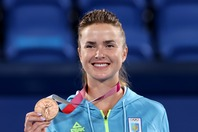 自身初、自国のテニスで初となるメダルを獲得したスビトリーナ。(C)Getty Images