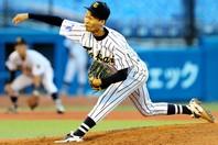 東海大の山﨑は今大会の最注目選手の一人。秋のリーグ戦で無双した快投を見せられるか。提供:朝日新聞社