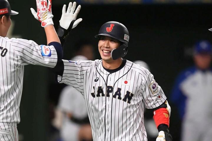 「悔しい思いを胸にフルスウィングした」。2回の逆転3ランを山田はそう振り返った。写真:金子拓弥(THE DIGEST写真部)