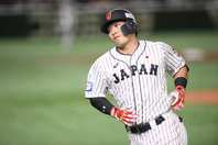 プレミア12で大会MVPに輝き、4番の重責を果たした鈴木。写真:金子拓弥(THE DIGEST写真部)