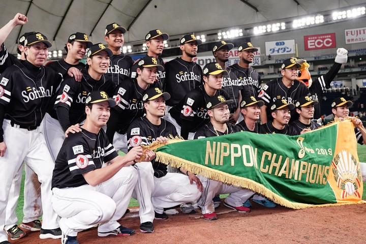 3年連続日本一になったソフトバンク。戦力層に支えられたシーズン終盤からの試合巧者ぶりが抜群だった。写真:山崎賢人(THE DIGEST写真部)