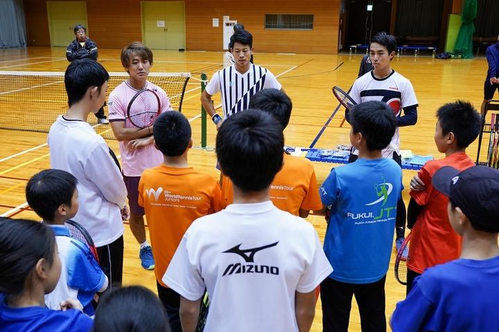 地域活性化プロジェクトを企画・実行している西岡、斉藤、沼尻(左から)。写真:山崎賢人(THE DIGEST写真部)