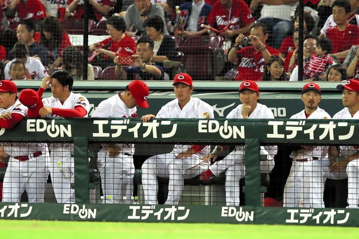 今季は3連覇をした王者の姿なく、まさかのリーグ4位と惨敗に終わった。提供:朝日新聞社
