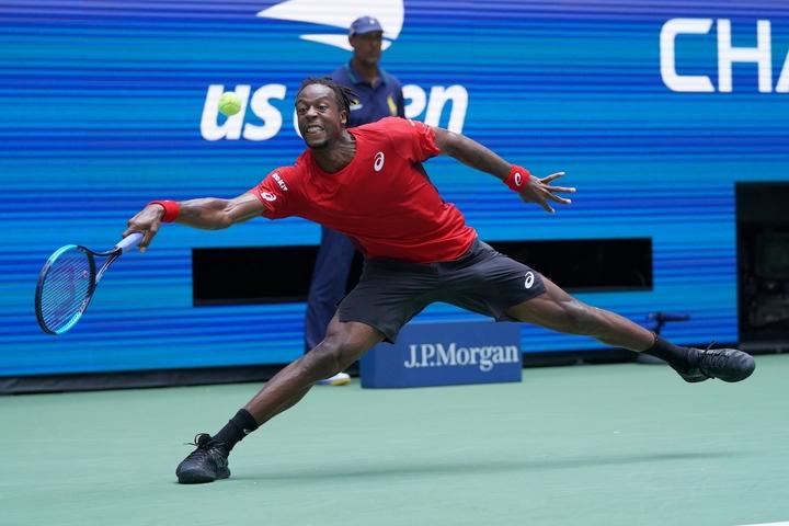 テニスシューズには数多くの機能があるので、「自分にとって何が必要か?」を考えて選ぶべき。写真:山崎賢人(THE DIGEST写真部)