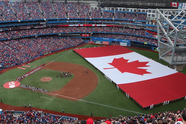 ブルージェイズの本拠地ロジャース・センターは4万9286人を収容。MLBの球場では4番目に大きい。(C)Getty Images