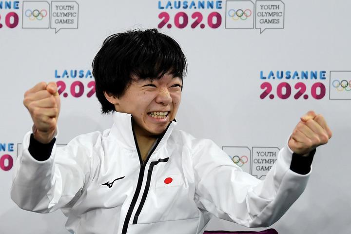 ユース五輪で見事な逆転優勝を果たした鍵山優真が先輩スケーターたちを一言で表現した。(C)Getty Images