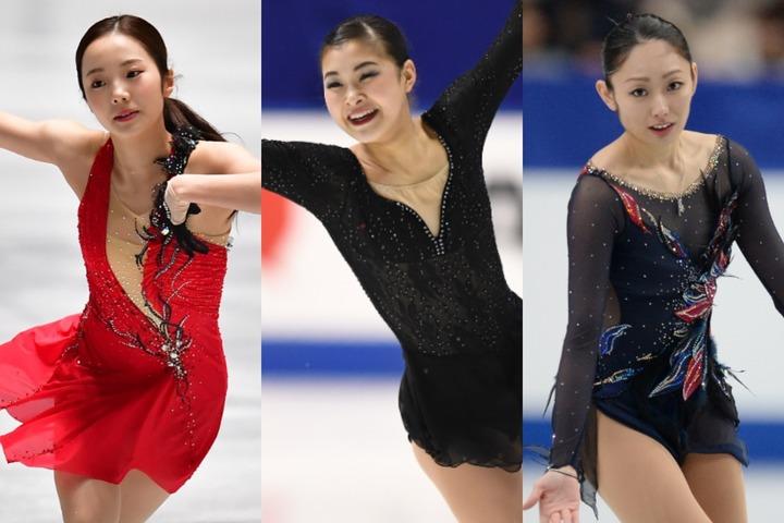 村上さん(中央)が投稿した集合写真には、安藤さん(右)や本田真凜(左)らが衣装姿で収まっている。(C)Getty Images