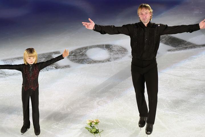 たびたびアイスショーに出演しているプルシェンコ親子が来日した。(C)Getty Images